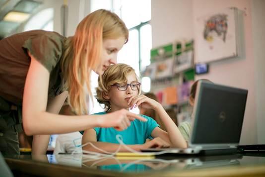 Dziewczynka też może programować. Wywiad z Karoliną Cikowską, współzałożycielką Girls Code Fun