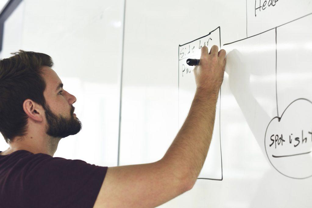 Rekrutacja i komunikacja przy wysoce zaawansowanych projektach – Wywiad z Slideworx